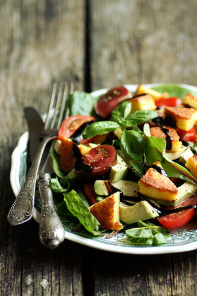 lehtpeedi-avokaadosalat-grilljuustuga-swiss-chard-and-avocado-salad-with-baked-cheese_640.jpg